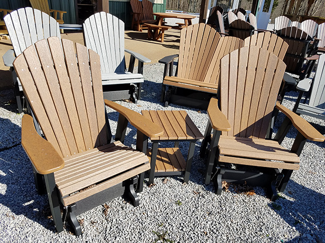 What Are the Advantages of Outdoor Poly Furniture?